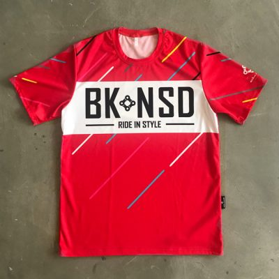 Outdoor_Tee_red by BikeInside
